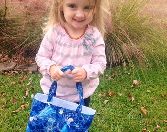 FROZEN ELSA Toddler Tote. Child's Tote. FROZEN Elsa! Disney Frozen Elsa Purse. Small Kid's Tote. Elsa Bag. Lined with Pocket. Unique Gift.