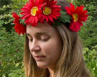 Red Daisy Crown