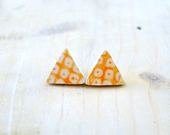 small orange and white stud earrings-ceramic triangular earrings with orange geometric decoration-hypoallergenic stud earrings