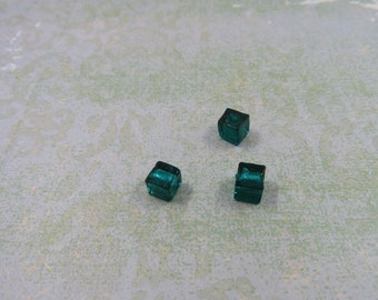 SET of 5 bead spacer square cube color blue