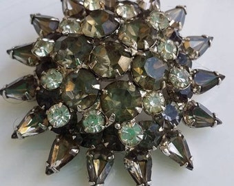 Vintage large brooch clear and light gray glass beads