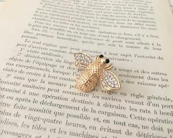 Rhinestone Bee Brooch.Gold Bee Brooch.Rhinestone Brooch.Crystal Bee brooch.Bridal brooch.Bee Pin.Wedding Accessory.Bridal Bouquet Brooch Pin