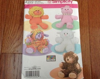 Simplicity pattern 4222 Stuffed Animals  new uncut