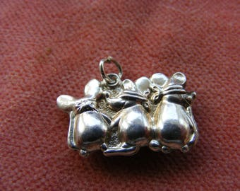 F) Vintage Sterling Silver Charm Three blind mice