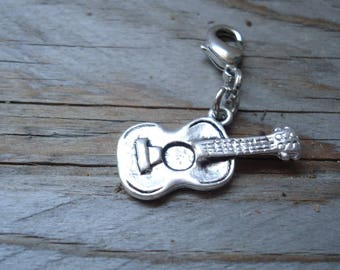 Guitar pendant featuring a lobster clasp