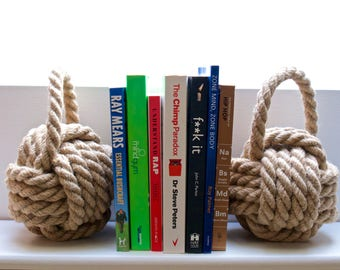 Rope Bookend Monkey Fits Knots made from 16mm jute, can also be used as doorstops
