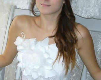 Bridal big white flower and lace Bustier