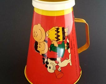 "Vintage 1970 Peanuts Head Beagle Snoopy, Lucy, & Charlie Brown (Stars Of The Movie ""A Boy Named Charlie Brown"") Chein Tin Toy Megaphone"