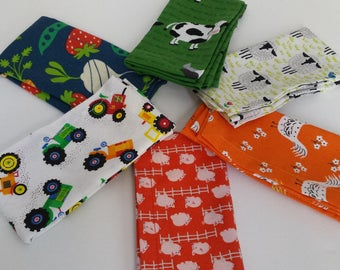 Kids Cloth Napkin Set of 6 // Day at the Farm // Lunchbox Napkins // Kids Handkerchief // Party Favor // Stocking Stuffer //Gift for Kids