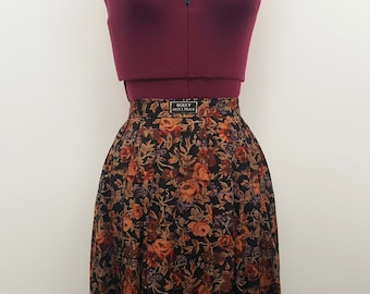 Vintage/retro floral nineties grunge roses pleated skirt.  Size M.  Autumn/black/brown/orage/purple/hipster/90s