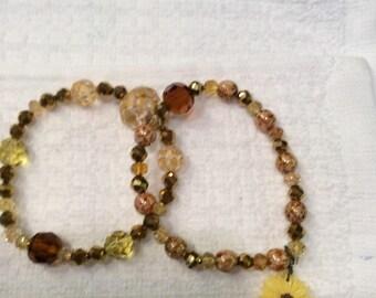 Yellow gold daisey bracelet