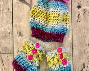 READY TO SHIP - Crocodile Stitch Booties and Matching Hat - Baby Booties