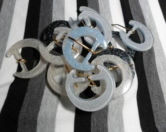 Glitter Resin Belt Buckle. Blue, white, or black. 1 buckle.