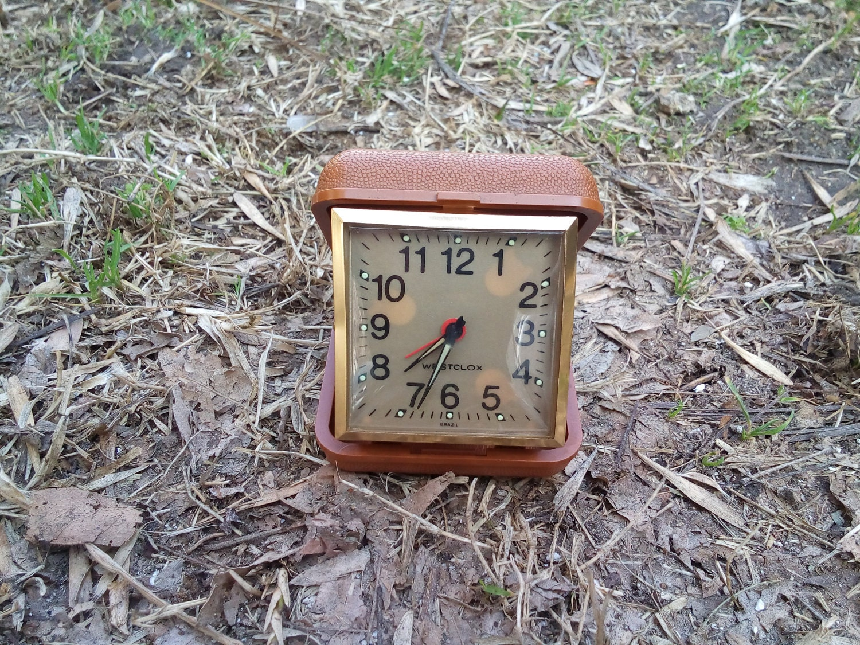 vintage horloge br sil westclox radio r veil au br sil. Black Bedroom Furniture Sets. Home Design Ideas