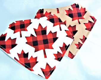 CANADA DAY - Bandana bib- plaid Maple leaf white or beige/drool bib/Baby shower gift/Baby accessory/gender nuetral