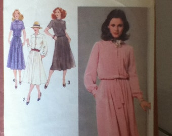 "Simplicity Vintage Dress Pattern 9245 Size 10, Bust 32"", Waist  25"", Hip  34"""