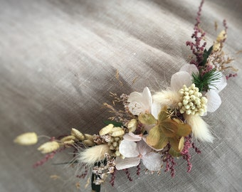 Dried flower Hair adornment