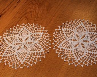 Set of 2 model DIVINE - cotton DMC CEBELIA 20 - Crochet doilies handmade