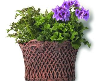 Basket Weave Garden Ornament Wall Planter for Garden or Patio