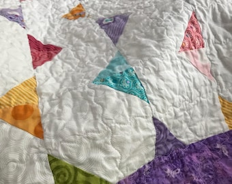 Triangle quilt // baby quilt // play quilt