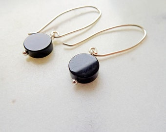 Black Onyx earrings - disc earrings - black earrings - minimal earrings - silver threader earrings - modern black earrings - ear threader