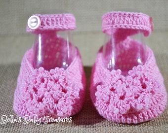 Pink baby girl booties