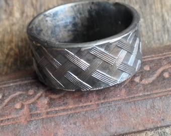 Mens Silver Ring / Mens Sterling Silver Band / Mens Pattern Ring