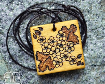 Pirografato wooden pendant, available to order with custom decorations