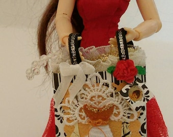 Miniature dollhouse gift bag 1/12 scale by Mable Malley