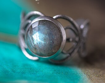 "Elvish ring ""Elwing"" faceted Labradorite - Silver Collection - pattern Art"