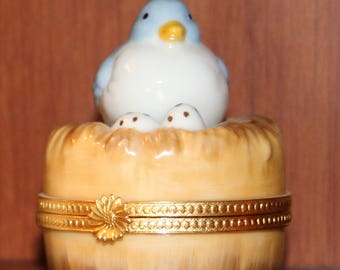 Takahashi Bluebird On a Nest With Spotted Eggs Trinket Box