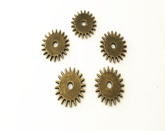 20pcs  Antique bronze gear pendant charm 17mm