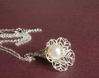 Pearls Necklace Silver Calla Necklace Silver Filigree Necklace Pearls Necklace Floral Necklace Bridal Necklace Bridesmaids Gift