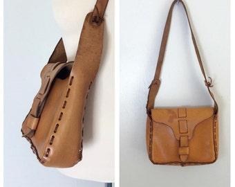 vintage. 1970s leather folk bag