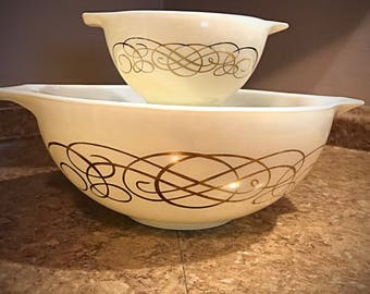 Vintage Pyrex Golden Scroll Cinderella Bowl Set 1950's Promotional Pattern 441 & 444 Excellent Shape Nesting Bowls