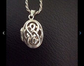 Vintage sterling silver chain and locket
