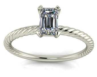Trendsetting Diamond Solitaire Ring with Petite Rope Shank