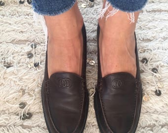 Vintage CHANEL CC Logo Dk Brown Leather Loafers Flats Driving Shoes Smoking Slippers Ballet Flat  37.5 us 6.5 - 7