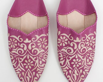 Women's Bright Pink Decorative Leather Babouche    Traditional Moroccan Slippers    Hand Cut Decorative Leather Indoor Shoes    Fuchsia