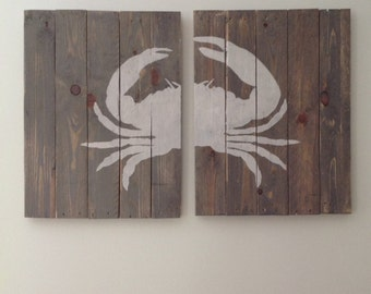Grey crab wall decor