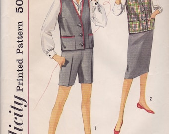 1950s Vest, Shorts and Skirt Pattern Simplicity 3046 Size 10