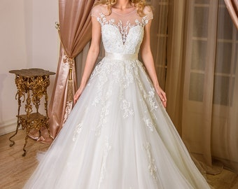 Nikita wedding dress with lace and sleeves