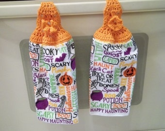 Towel - Kitchen Towel with Crochet Towel Topper - Great for Thanksgiving