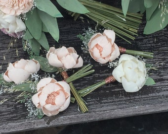 1 Boutonniere made with sola flowers - choose your colors - natural bouquet - balsa wood - Alternative bouquet - bridesmaids bouquet
