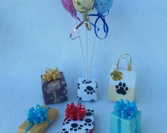 Miniature Birthday Balloons and Presents for your pet dog or cat (1/12th Dollhouse scale)