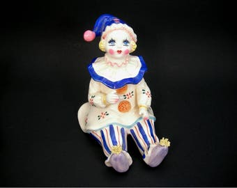 Lefton Music Box Clown Pierrot Figurine - Plays Send in the Clowns - Vintage 1983 Ceramic Blonde Blue Eyes Girl Clown - Works