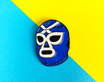 ESCOCIA LIBRE! Scottish Luchador Enamel Pin - Lucha Libre, Wrestling mask badge, Mexican wrestler pin and sticker