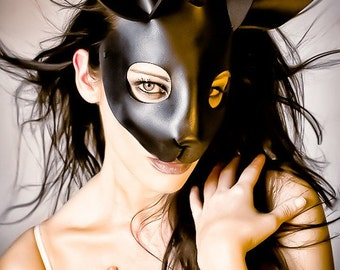 Rabbit mask in leather - black
