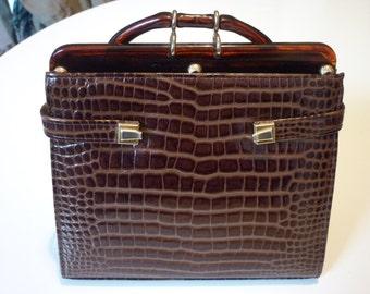 Small brown vintage 1950s vinyl retro handbag