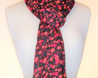 "Stylish Scarf: ""Sunshine Kisses"""